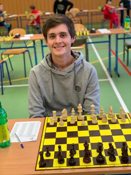 Kubovi na 5. šachovnici proti Prostějovu příprava vyšla na 120 %. Letošní rok byl pro něj také posledním, tak jako pro všechny narozené v roce 2003.